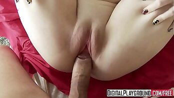 Bright Girlfriend Dare to Just Hit Her Hole