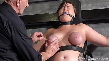 Breast bondage of twinkia slave on every crack and nipples
