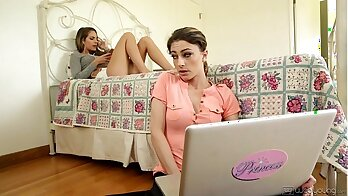Ideal Perfect Sisters Samantha Puddin and Kristen Scott