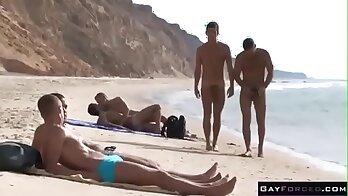 private anal couple fuck in the public beach