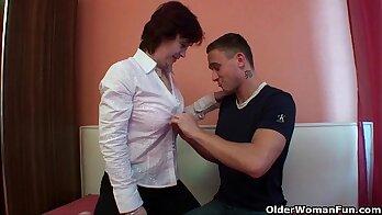 Slutty mom facializes client