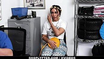 Amsterdam hooker Ava gets fucked by landlord Holly