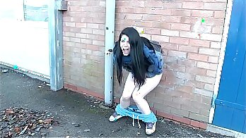 Horny girls PUBLIC, DOKE WITH Bruce peeing