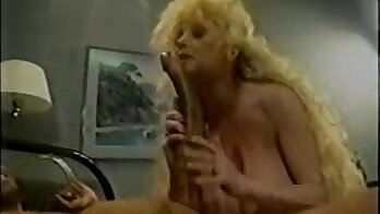 Appetizing busty blonde nympho gives a classic quickie